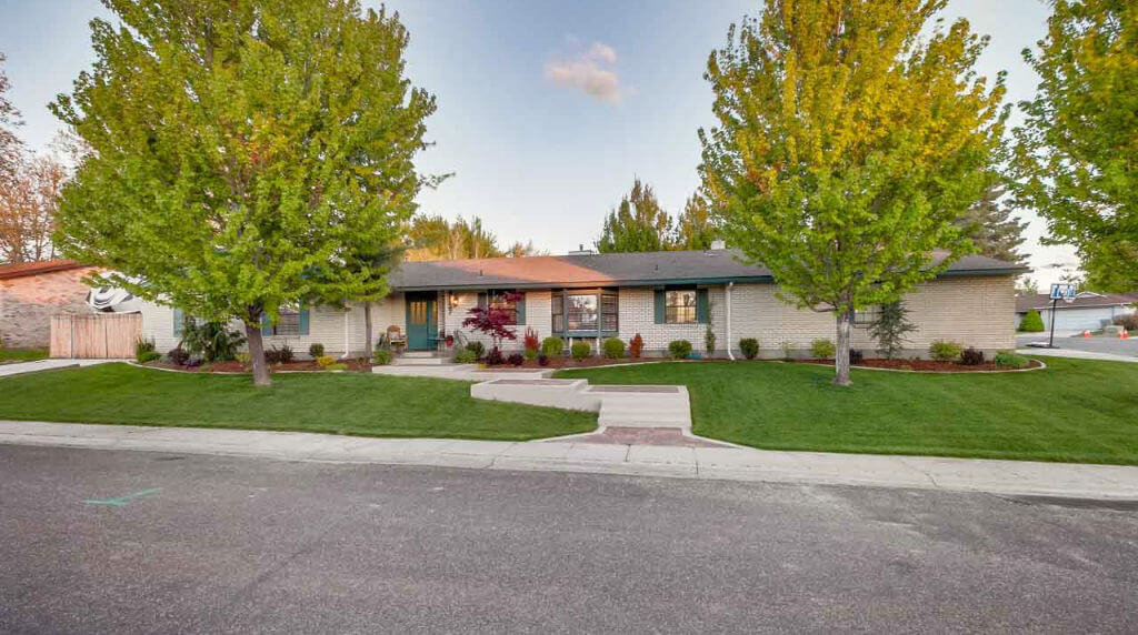 House for sale Columbia Village Boise, ID